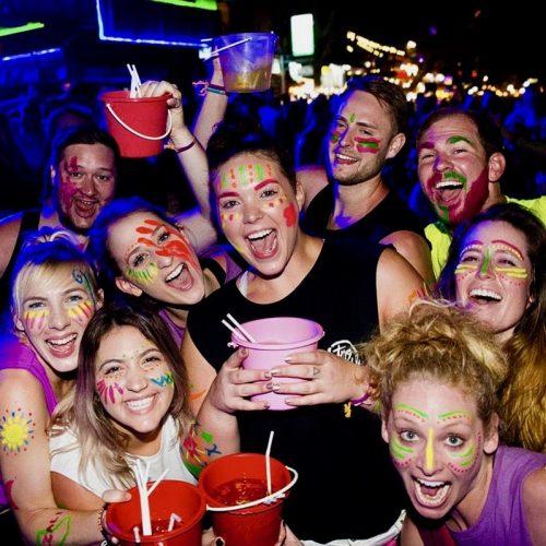 Party tijdens de Thailand Intro Groepsreis