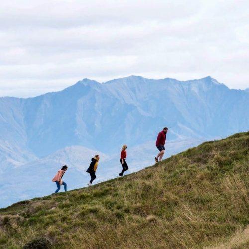 Met de groep een hiken op Mount Cook tijdens de Tasman Zuidereiland Groepsreis