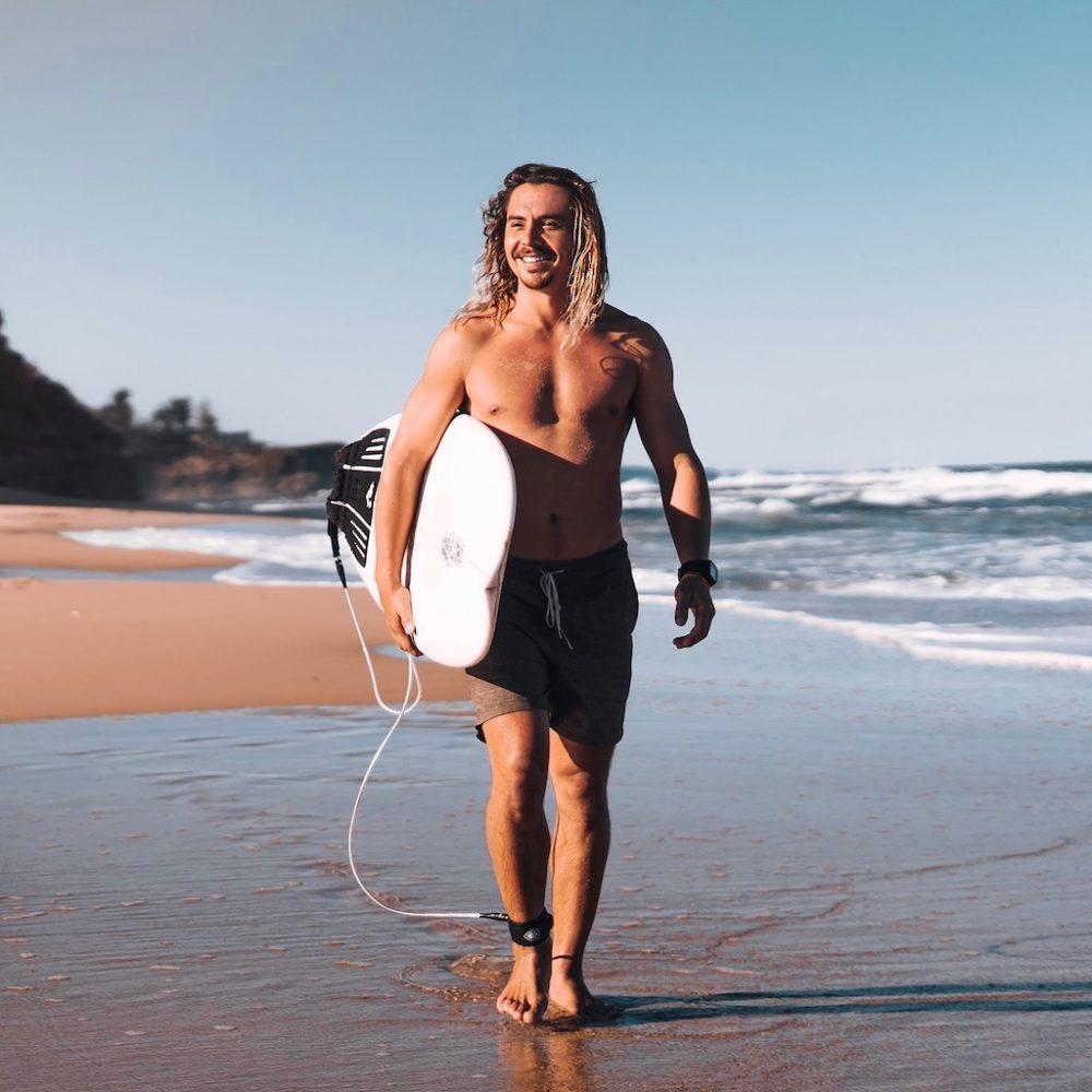 Reizen langs de oostkust met de Hop-on Hop-off Explorer en neem een surfles