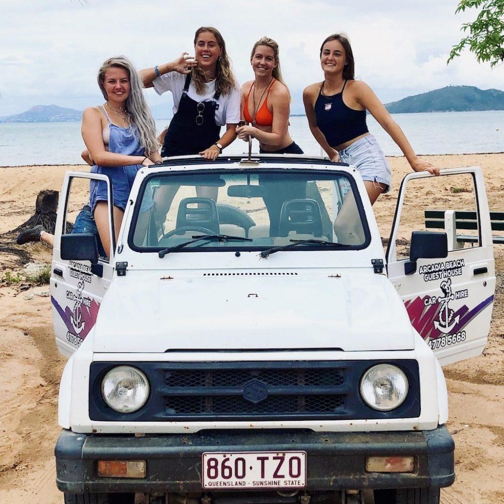 Magnetic Island ontdekken met een Jeep tijdens de Beach 'n Bush Groepsreis