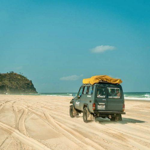 4WD tour op Fraser Island met de Oostkust Budget Groepsreis