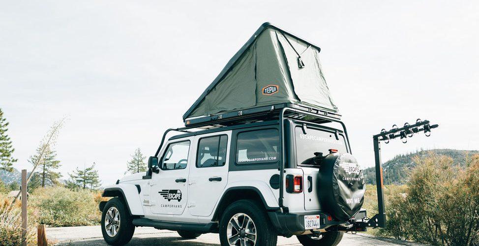 Daktent van de Escape Jeep Camper