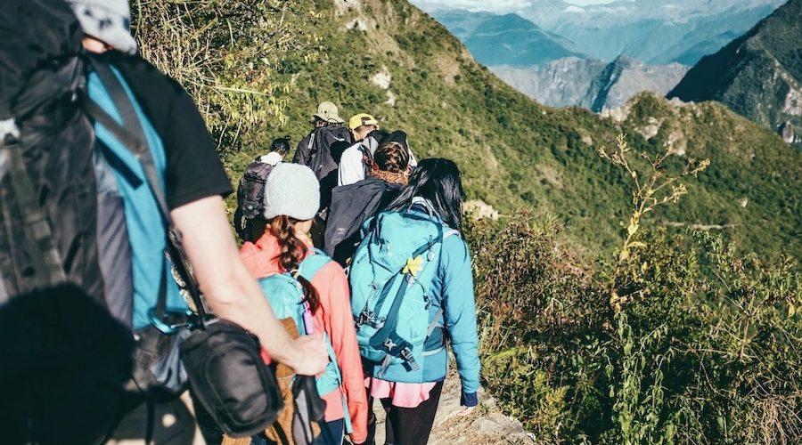 Hiken met je reisgenoten tijdens de Peru Inca Groepsreis