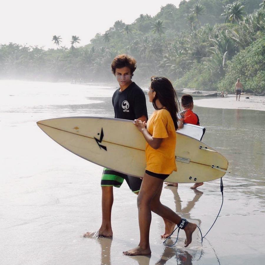 Leren surfen in het Costa Rica Surfkamp