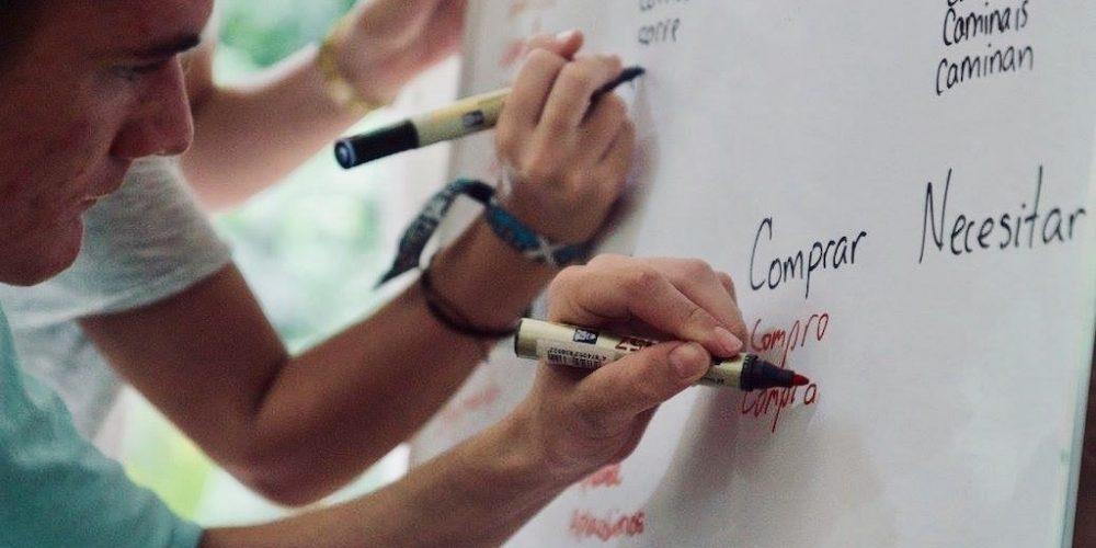 Spaanse leren in het Costa Rica Surfkamp