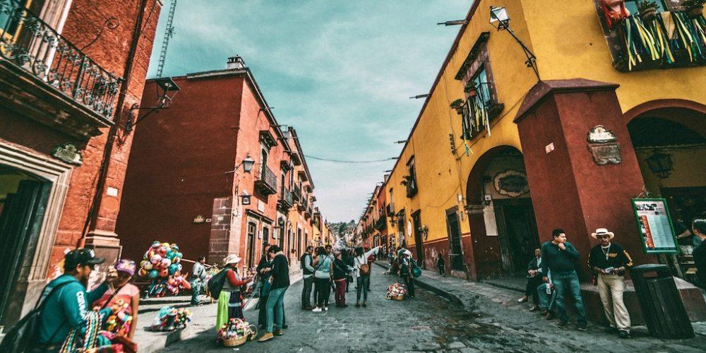 Struinen door de kleurrijke straten van Mexico