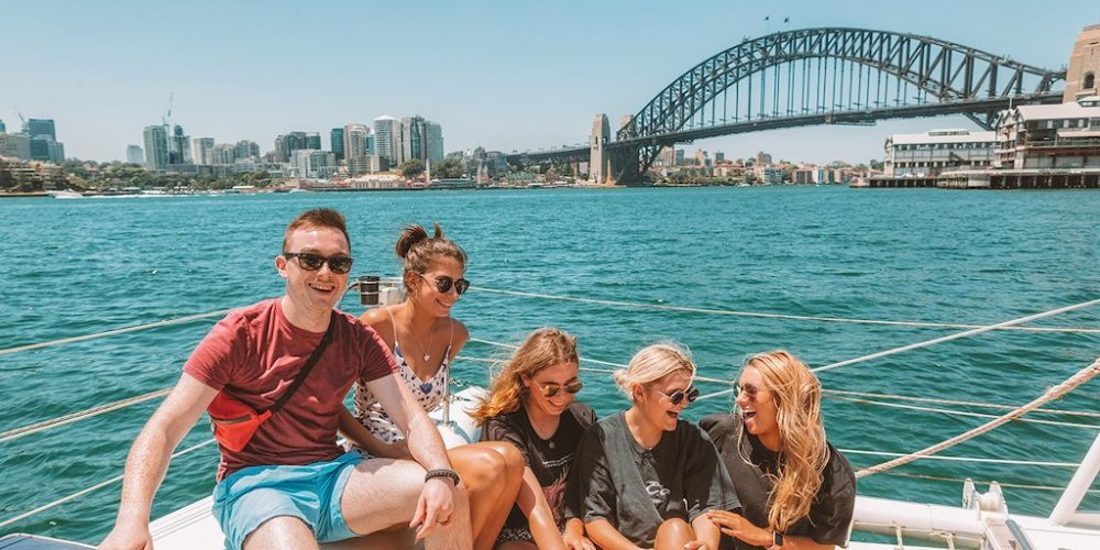 Cruise met je reisgenoten door de haven van Sydney