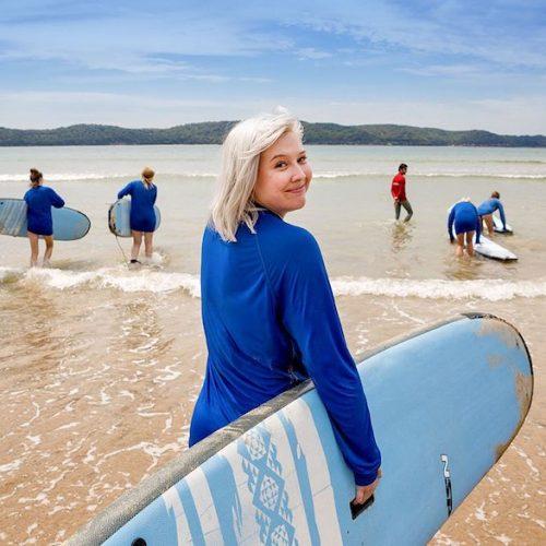 Dagje surfen tijdens de Sydney Explorer Groepsreis