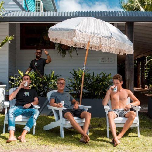 Relaxen met de groep tijdens het reizen langs de oostkust