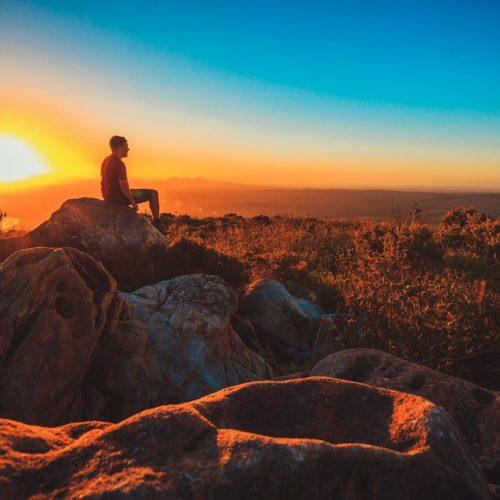 Zonsondergang tijdens de Nullarbor Plain groepsreis