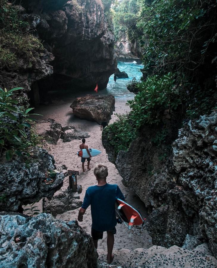 Op Bali kun je surfen op de mooiste plekken