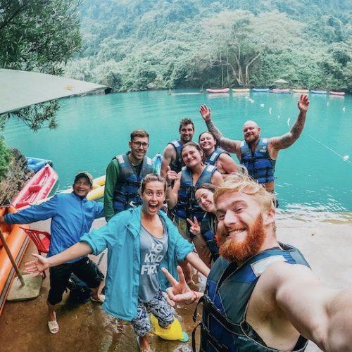 Groep reizigers in Vietnam
