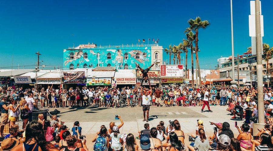Artiesten op de boulevard van Venice Beach