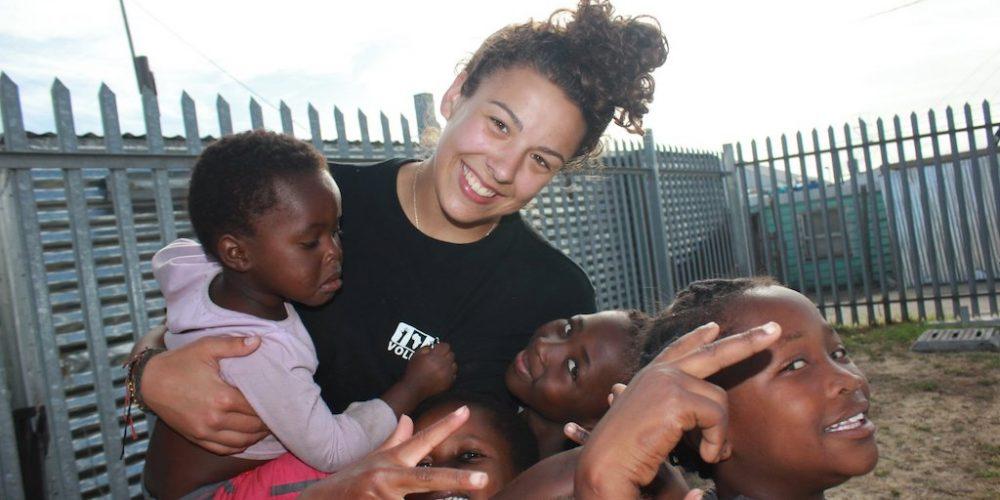 Als vrijwilliger aan het werk in de Sport en Surf Club Kaapstad