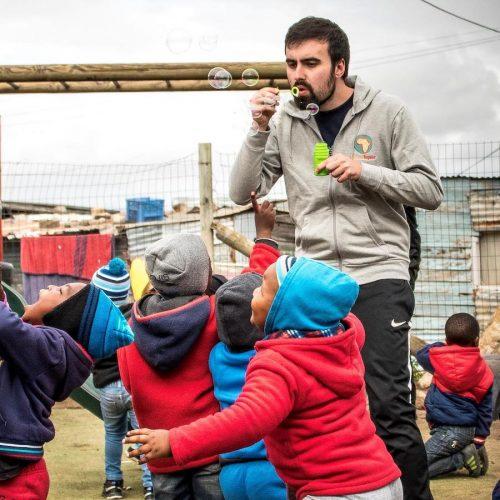 Sport coaching en ontwikkeling van kinderen in Kaapstad
