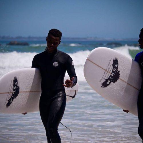 Surfen als naschoolse activiteit