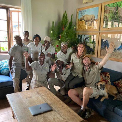 Warm welkom door het team in Zimbabwe