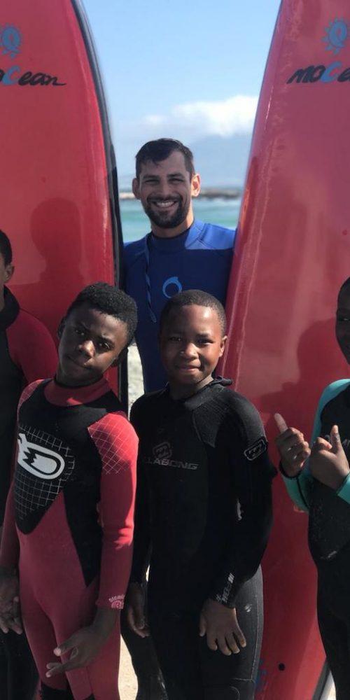 Zorg door de Sport en Surf Club voor een betere toekomst van de kinderen in Zuid-Afrika