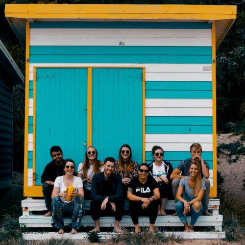 Groep medereizigers in Melbourne