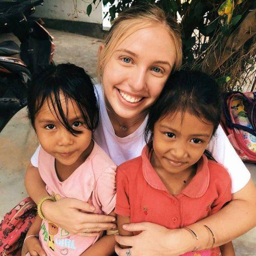 Als vrijwilliger de kinderen op Bali helpen