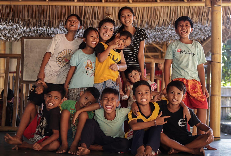 Maak de kinderen van Bali vrolijk met Engels lesgeven