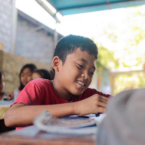 Maak een verschil voor de kinderen op Bali door Engels lesgeven
