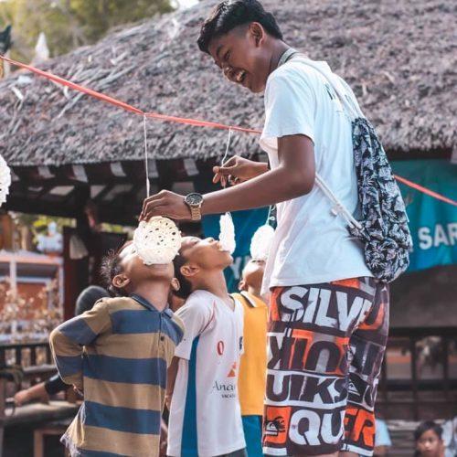 Ouderwetse spelletjes spelen op Bali
